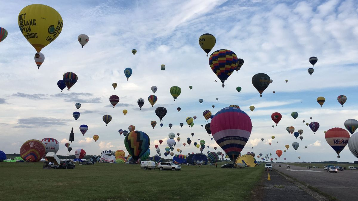 DIRECT VIDEO. Vivez avec nous le 3e envol de masse du Mondial Air Ballons 2019 à 19h45