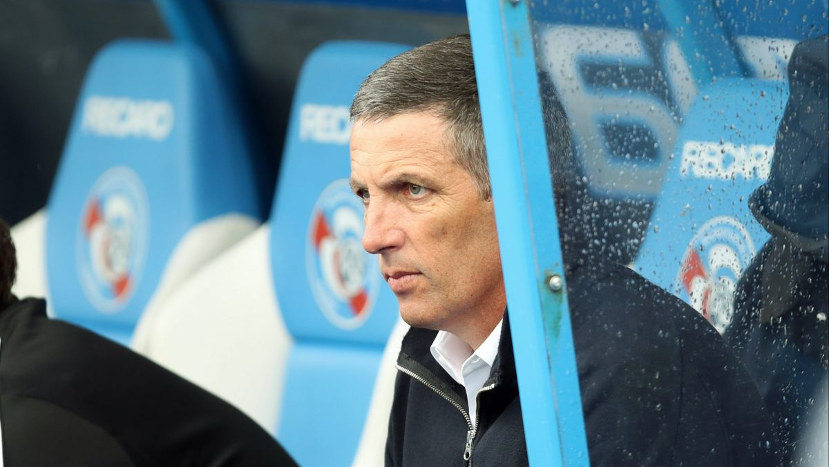 "Racing de Strasbourg : l'entraîneur Thierry Laurey recadre un journaliste sur la ""possession du ballon"""
