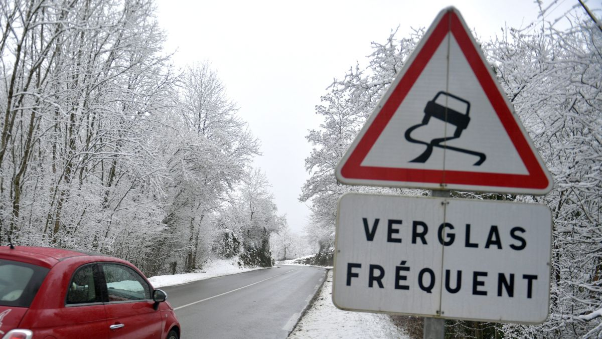 Verglas sur les routes, attention ! / © Jean-Pierre Balfin / MaxPPP