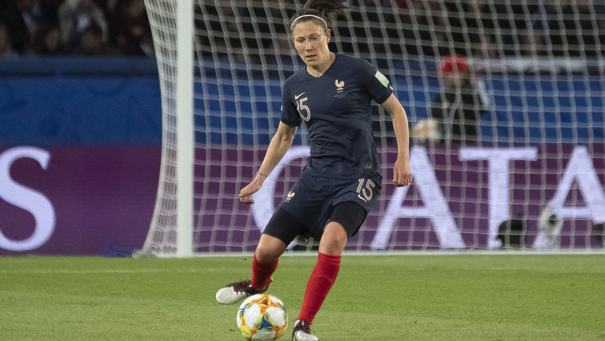 Ardennes : Elise Bussaglia, ex-footballeuse internationale, s'engage à l'Olympique de Charleville