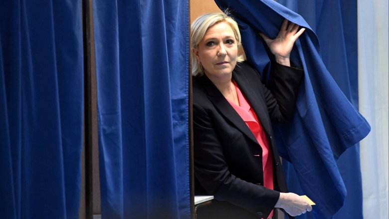 Marine Le Pen sera-t-elle candidate à Lens (3e circonscription), Héninin-Beaumont (11e circonscription) ou Liévin (12e circonscription) ? / © ALAIN JOCARD / AFP