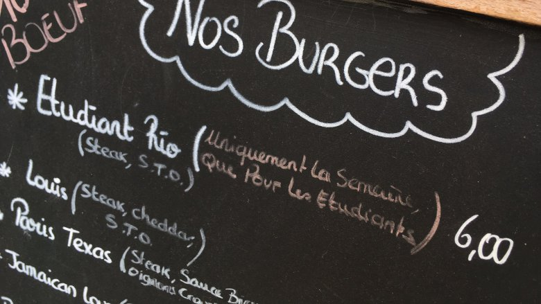 La carte du Louis Burger Bar, rue de Paris. / © Emmanuel Quinart