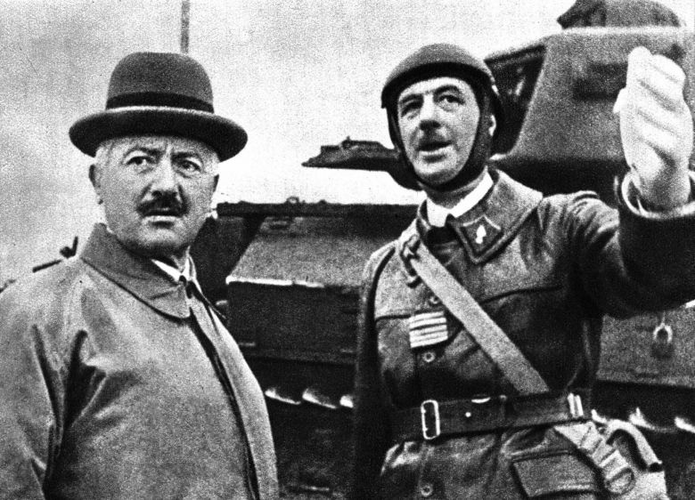 Charles de Gaulle (right) and the President of the Republic Albert Lebrun in September 1939. / © WOSTOK PRESS / MAXPPP