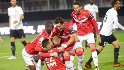 Le VAFC se rassure en battant largement le Red Star