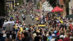 Tour de France : folle ambiance en attendant les coureurs