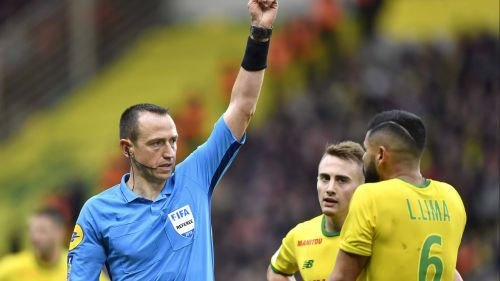 Football : Ruddy Buquet arbitra la finale de la Coupe de France Rennes-PSG