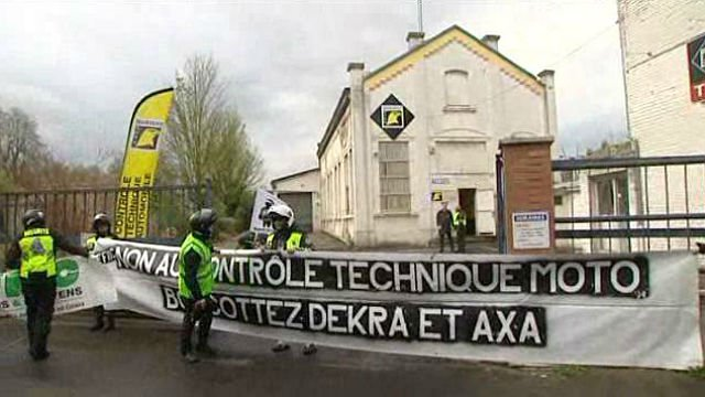 lille les motards manifestent contre le contr le technique obligatoire france 3 nord pas de. Black Bedroom Furniture Sets. Home Design Ideas