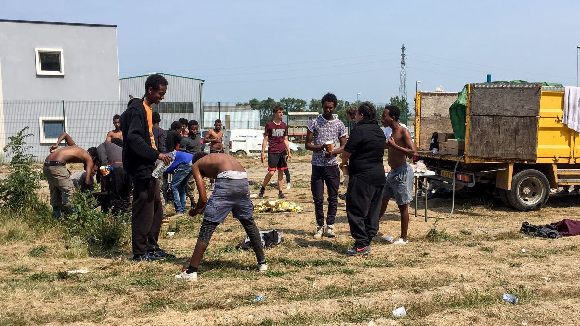 Migrants de Calais : points d'eaux, centres, Conseil d'Etat... On fait le point
