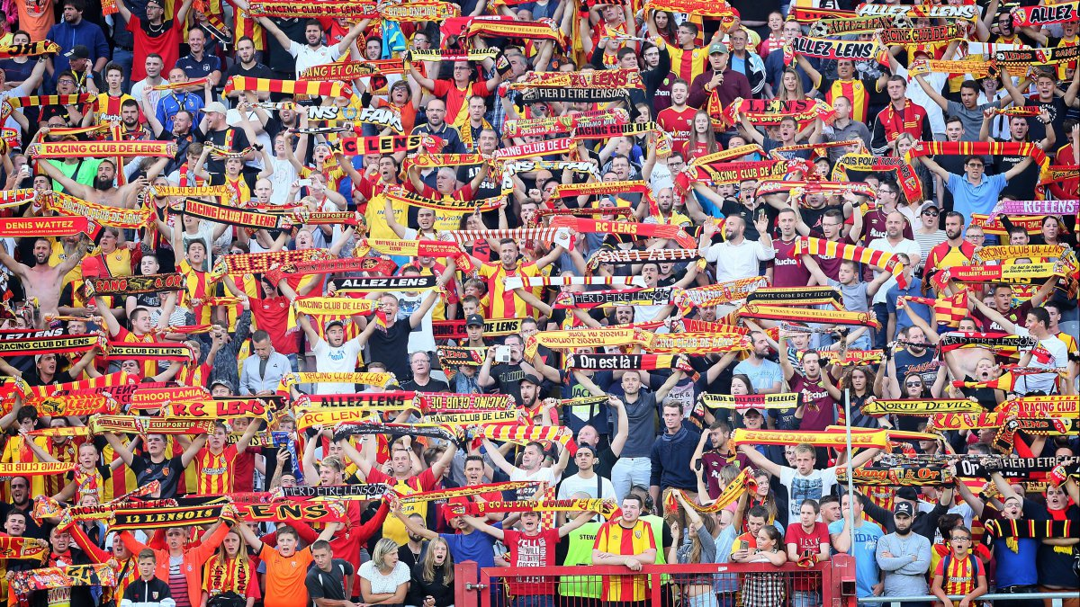 RC Lens : en Ligue 2, la course à l'élite redémarre contre de solides concurrents