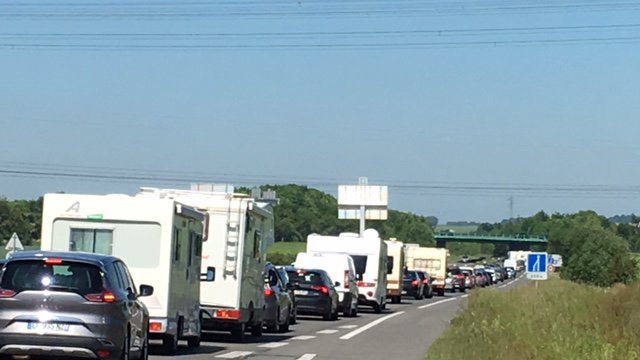 "Circulation ""exceptionnellement difficile"" ce week-end sur les routes de France"