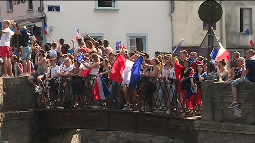 Les supporters picards f tent la france championne du monde de foot france 3 hauts de france - Coupe de france en direct france 2 ...