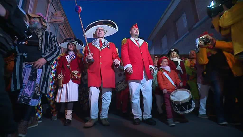 "VIDEO. Carnaval de Cassel : revivez le traditionnel ""Réveil"" du lundi de Pâques"
