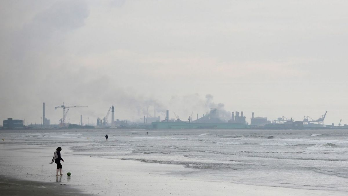 Une pollution constante de l'air de notre littoral / © MaxPPP
