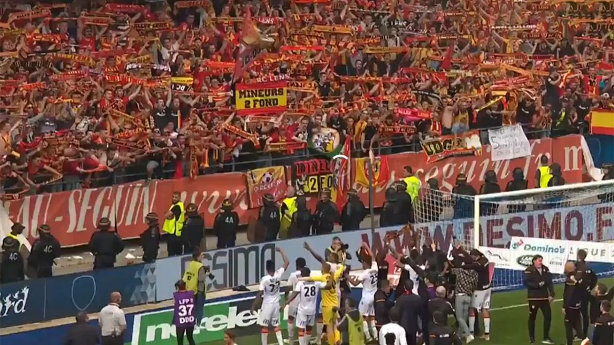VIDEO. Le RC Lens élimine Troyes au bout du suspense, le rêve de Ligue 1 continue