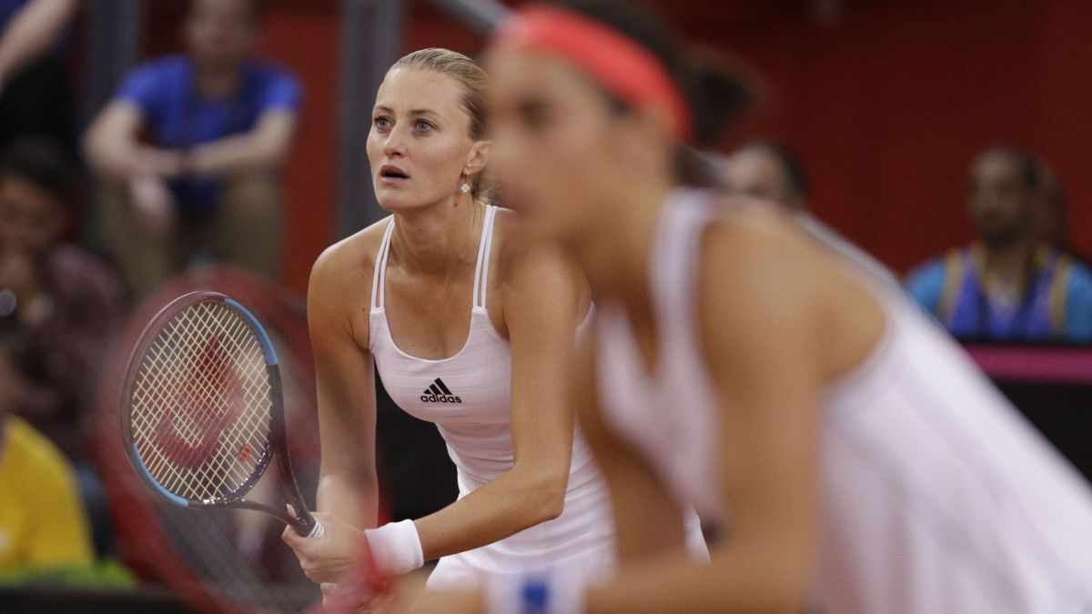 DIRECT. Finale de la Fed Cup Australie/France : suivez le double décisif Stosur-Barty / Garcia-Mladenovic