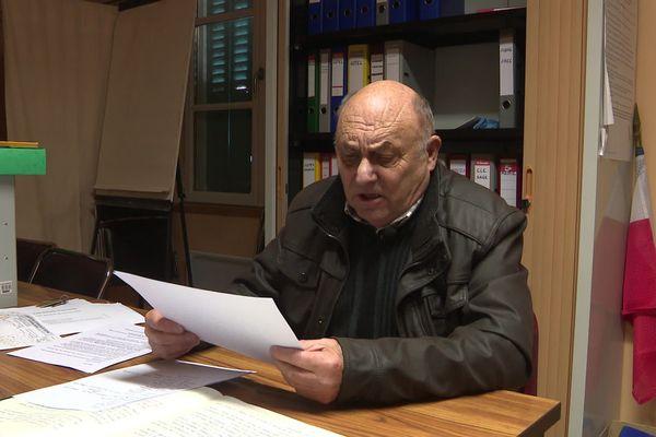 Après 37 ans de mandat, Paul Dumousseau raccroche t-il l'écharpe ?