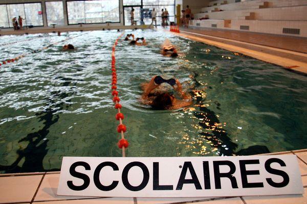 Le programme scolaire impose 30 heures de natation entre le CP et le CM2.