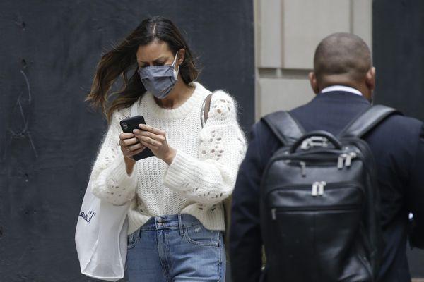 Le masque ne sera plus obligatoire dans les lieux ouvert au public sur présentation du pass sanitaire dans le Loiret. Photo d'illustration