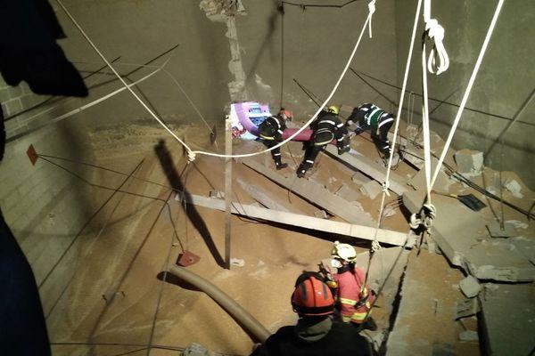 Intervention des sapeurs-pompiers de l'Oise pour tenter de sauver une personne ensevelie dans un silo à Villers-Saint-Frambourg.