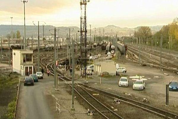 La gare de triage de Gerzat, dans le Puy-de-Dôme, où Sullivan est mort électrocuté en 2008. La SNCF a été mise en examen pour homicide involontaire et blessures involontaires près de cinq ans après la mort de l'adolescent de 14 ans.