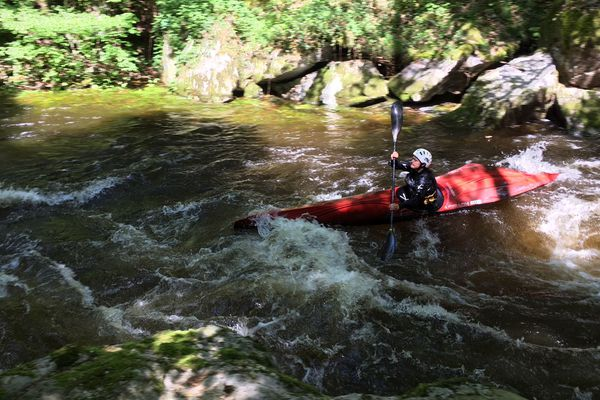 Il faut avoir le sens de l'équilibre pour pratiquer le kayak de descente