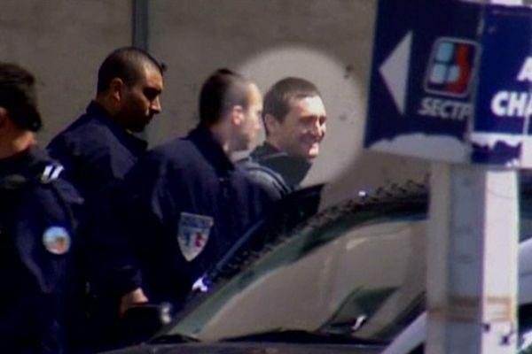 Ange-Toussaint Federici à son arrivée à la Cour d'assises d'Aix-en-Provence en novembre 2010