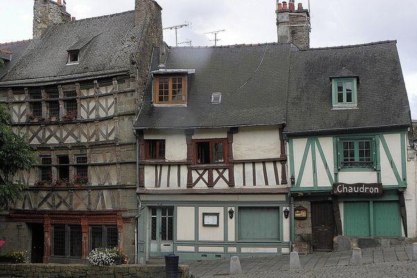 Maisons sise 15, 17 et 19 rue Fardel à Saint-Brieuc (22).
