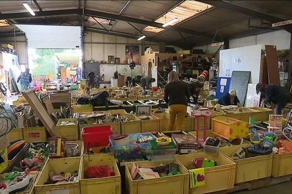 en un an d'existence, l'association Les Fourmis vertes a collecté 22 tonnes d'objets.
