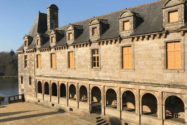 La galerie du Château du Rocher Portail