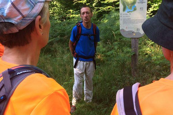 Florent est guide de moyenne montagne. Il travaille surtout sur la Corrèze