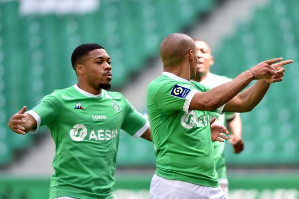 Football 34 e journée de Ligue 1 au stade Geoffroy-Guichard à Saint-Etienne entre l'ASSE et Brest. But de Khazri