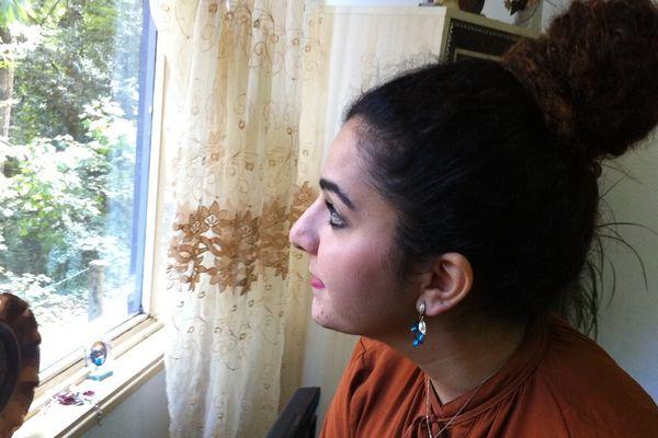 Liza, jeune irakienne et chrétienne, est arrivée en France en 2000