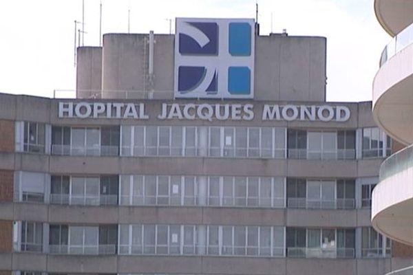 4 000 personnes et 350 personnels médicaux et pharmaceutiques travaillent au groupe hospitalier Jacques Monod du Havre