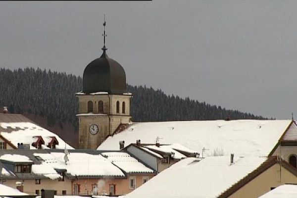 La station de ski des Rousses regroupe quatre communes, Lamoura, Prémanon, les Rousses et Bois d'Amont
