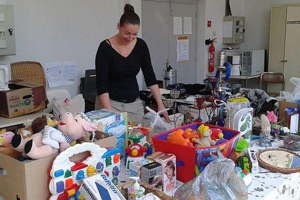 La boutique gratuite des Glaneurs du Chalonnais a pour but de lutter contre le gaspillage et les déchets en donnant une seconde vie à des objets encore en bon état.