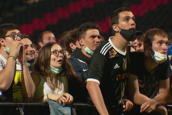 Dans la fan zone de Lyon Gerland, lundi soir, les spectateurs sont passés par toutes les émotions durant la rencontre France - Suisse comptant pour l'Euro. 28/6/21