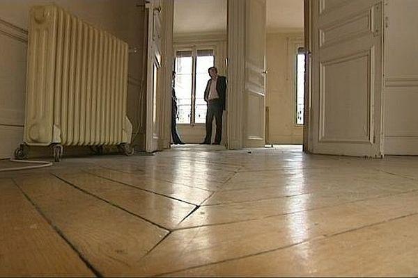 En cette période de crise économique, le marché de l'immobilier est très contrasté.