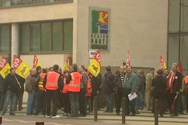 Les salariés de la gare de triage de Sotteville-lès-Rouen dénoncent la baisse d'activité.