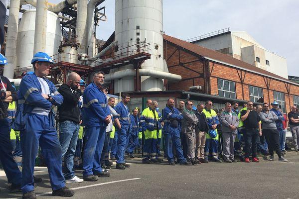 Les salariés de Cristal Union devant le site de Toury, en Eure-et-Loir