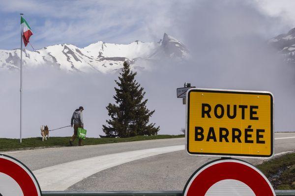 La route d'accès au col du Petit Saint-Bernard, entre Savoie et Italie, le 16 mai 2020. (Archives)