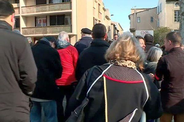 Carcassonne - la foule devant la cathédrale Saint-Michel pour les obsèques d'Arnaud Beltrame - 29 mars 2019.