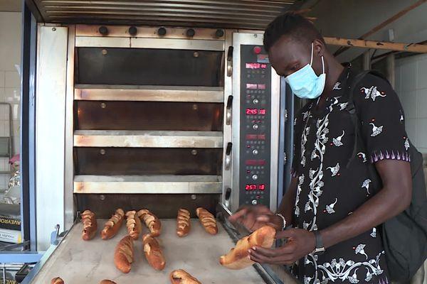 Tarn : un apprenti boulanger guinéen de Castres menacé d'expulsion par la préfecture - août 2021.