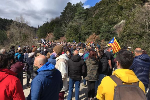 Venus des communes frontalières de Catalogne et du Vallespir, les manifestants demandent la levée du blocus qui les paralyse.