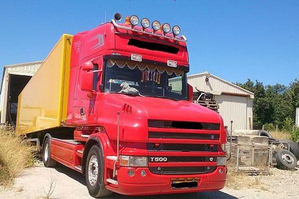 Perpignan - le camion hollandais transportant la drogue - 11 juillet 2015.