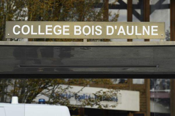 Deux semaines après la décapitation du professeur Samuel Paty près du collège du Bois d'Aulne, la rentrée scolaire s'annonce singulière.