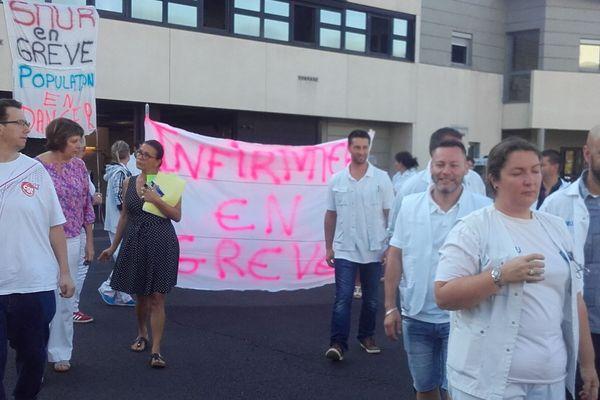 Le SMUR du CHU de Clermont-Ferrand, en grève le 18 septembre 2018.