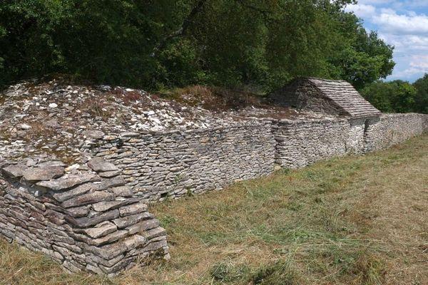 La cabane de vigneron du lieu-dit Les Pargues, à Noyers-sur-Serein, dans l'Yonne