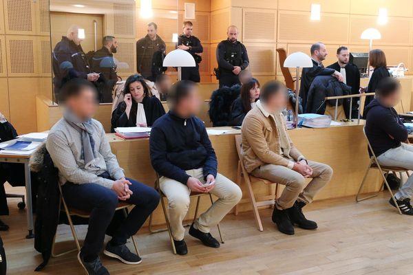 Six hommes étaient jugés aux assises du Doubs pour meurtre et complicité de meurtre d'un vigile d'une discothèque en avril 2017 à Besançon.