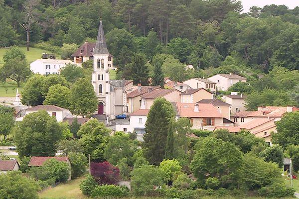 Le canton de Saint Astier qui regroupe 11 communes dont la ville éponyme n'a vu que 1583 votants se déplacer au 1er tour des départementales pour 4186 inscrits