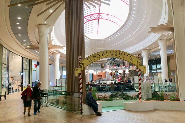 La galerie marchande du centre commercial Pôle Sud à Basse-Goulaine s'agrandit alors que d'autres peinent à se maintenir.